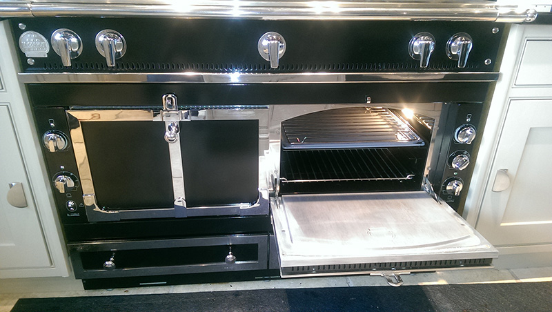 Range oven after cleaning by Ultra Clean Ovens